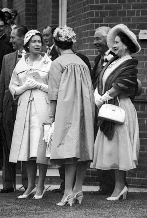 Фото №3 - Секреты Короны: как королева-мать помогала Маргарет скрывать ее тайный роман