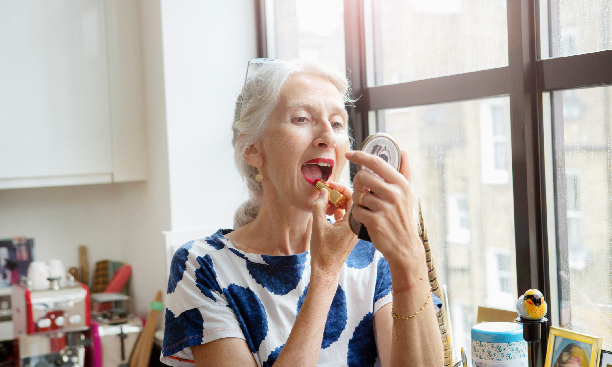 Легкий макияж для бабушек, который омолодит на 20 лет