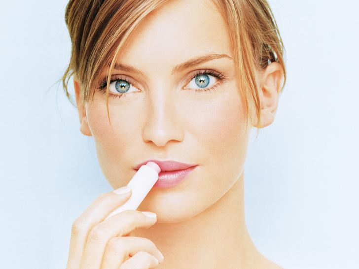 Фото №4 - Полный гид по уходу за кожей губ: правила, советы и частые ошибки