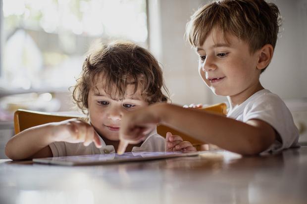 Фото №2 - Как вредят детям игрушки на батарейках