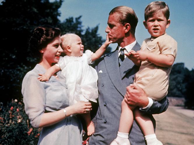 Фото №20 - Королева Елизавета II: история в фотографиях