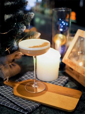 Фото №3 - 4 оригинальных новогодних коктейля, каждый из которых достоин стать звездой вечеринки