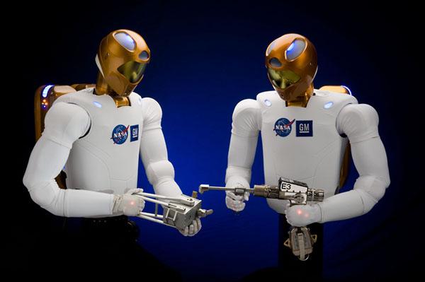 Фото №5 - Люди и роботы на пути к звездам