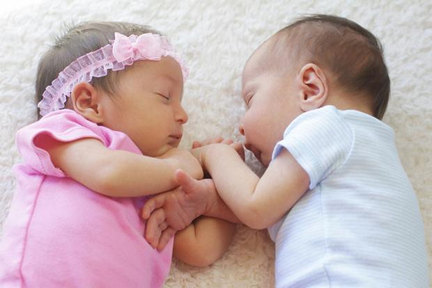 Фото №1 - Беременность двойней: особенности протекания и риски