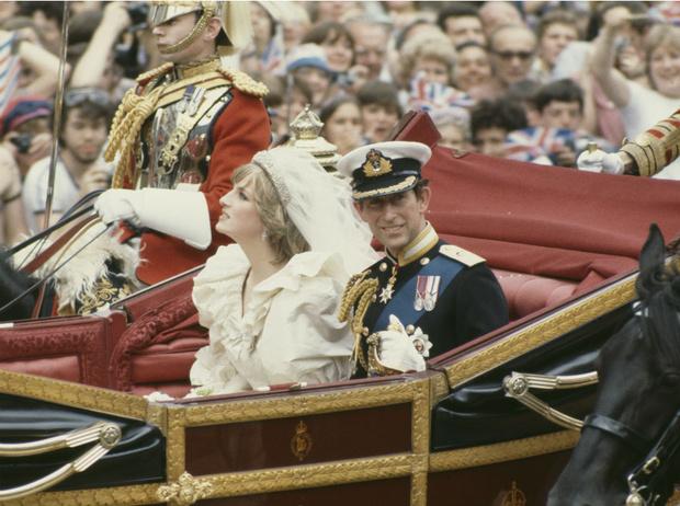 Фото №2 - Дурной знак: какой конфуз случился с принцессой Дианой на ее свадьбе