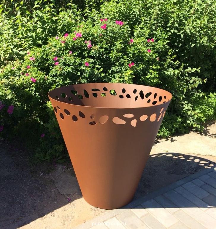 Фото №3 - Садовые кашпо для крупных растений