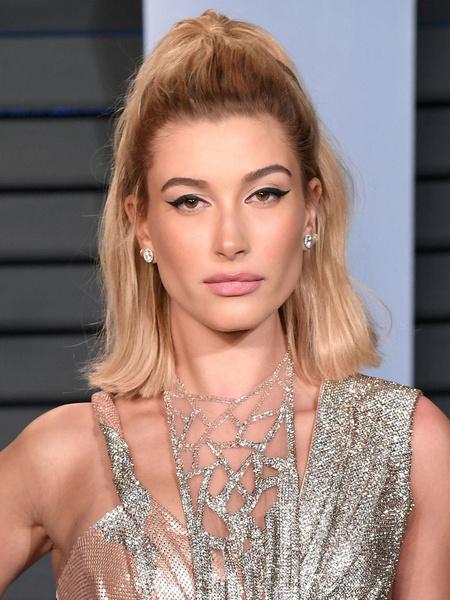 Хейли Бибер инстаграм фото сейчас 2021 прическа укладки волосы бьюти-образы