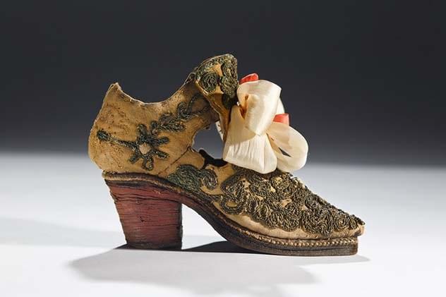 Фото №3 - 7 женских предметов гардероба, которые были придуманы для мужчин