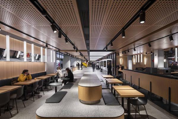 Фото №1 - «Макдоналдс» на Пушкинской— обладатель Sydney Design Awards 2020