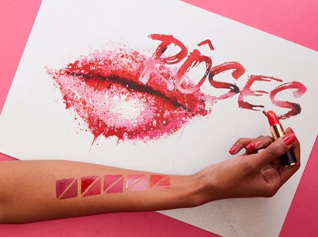 Фото №1 - Этюд в розовых тонах: 14 новых блесков для губ от Lancome