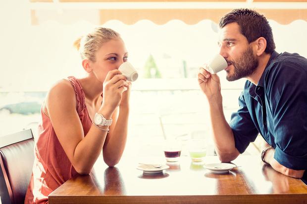 Фото №2 - Не только понты: психолог выяснил, зачем люди платят за дополнительные услуги на сайтах знакомств