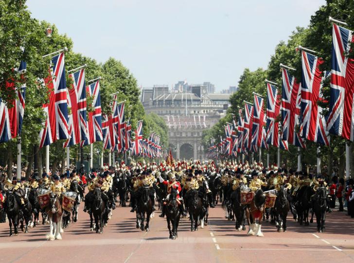 Фото №3 - Почему эта Пасха станет особенной для королевской семьи
