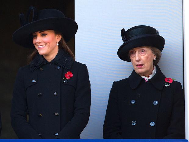 Фото №5 - Верная подруга: кто такая леди Сьюзан Хасси— женщина, сопровождавшая Королеву на похоронах Филиппа