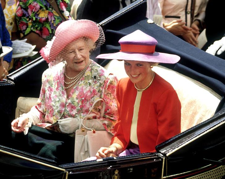 Фото №1 - Особые причины: почему Диана никогда не доверяла королеве-матери