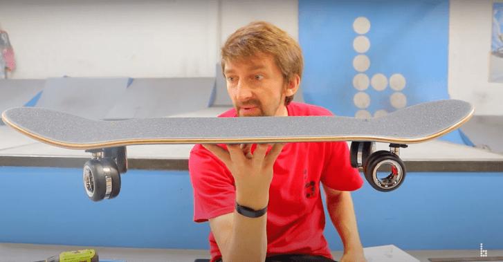Фото №1 - Можно ли сделать кикфлип на скейте с колесиками для Mac Pro за $700 (видео)
