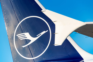 Еще в 1969 году Отто придумал логотип для Lufthansa…
