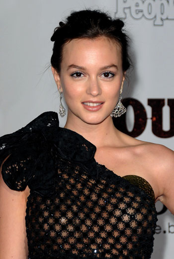 В сериале «Сплетница» Лейтон играет стильную королеву школы Блэр Уолдорф, живущую в обеспеченном нью-йоркском квартале Верхний Ист-Сайд.