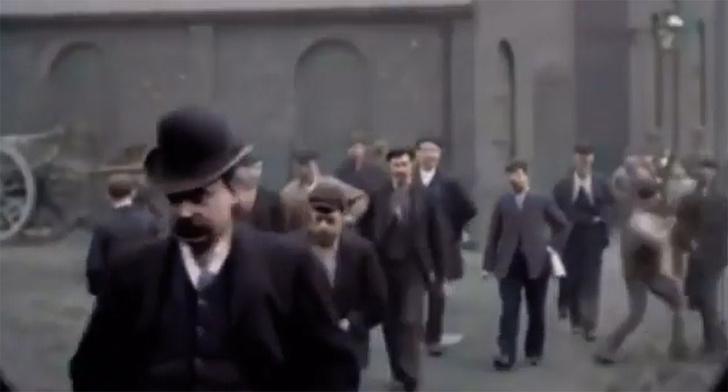 Фото №1 - Драку не заказывали: первая уличная потасовка, снятая на кинокамеру
