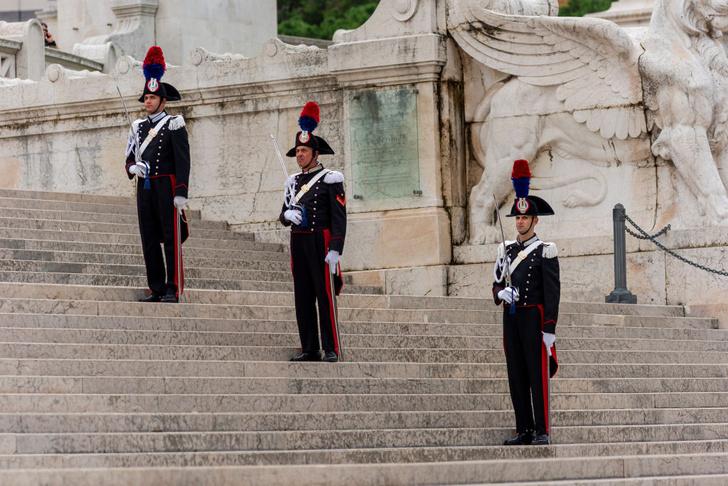 Фото №5 - Часть мундира: необычная парадная военная форма разных стран мира