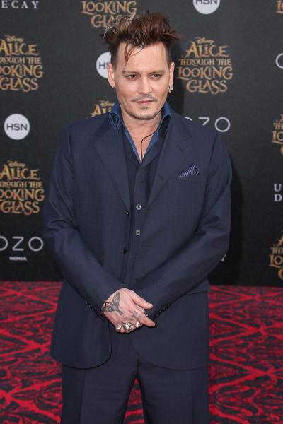 Джонни Депп на премьере «Алисы в Зазеркалье» в Калифорнии