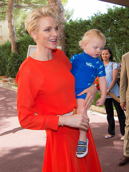 Фото №7 - Княгиня Шарлен вывела детей в свет