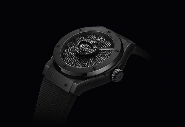 Фото №1 - На грани искусства и технологий: Hublot выпустил часы вместе с Такаси Мураками