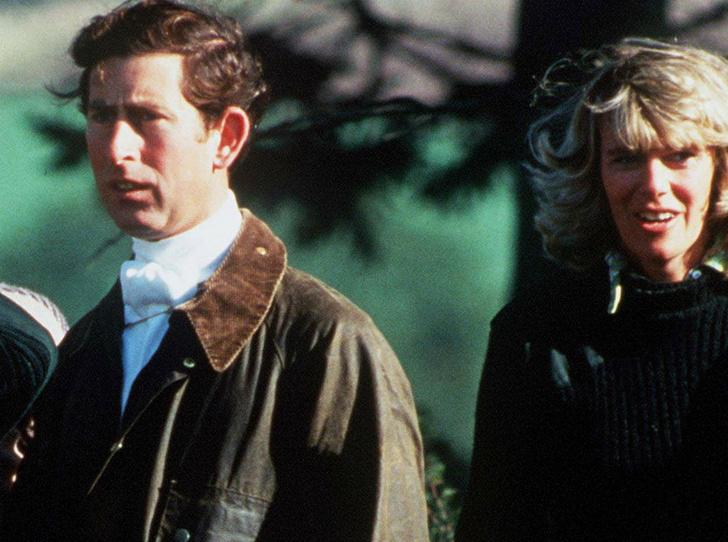 Фото №3 - Как Королева-мать помогала Чарльзу поддерживать тайную связь с Камиллой
