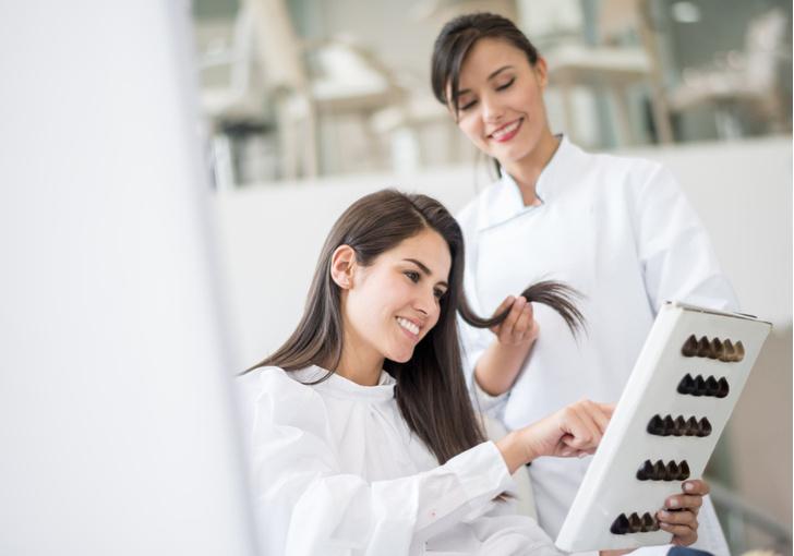 Фото №3 - Окрашивание волос во время беременности: вредно или нет