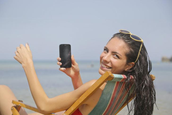 Как часто россиян раздражают фото коллег из отпуска