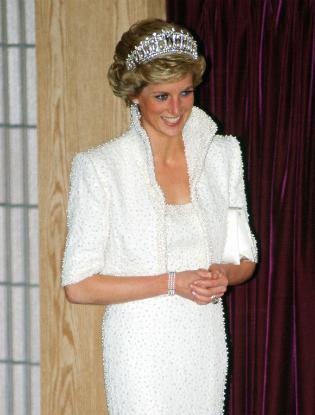 Фото №2 - Кейт Миддлтон впервые появилась в тиаре принцессы Дианы