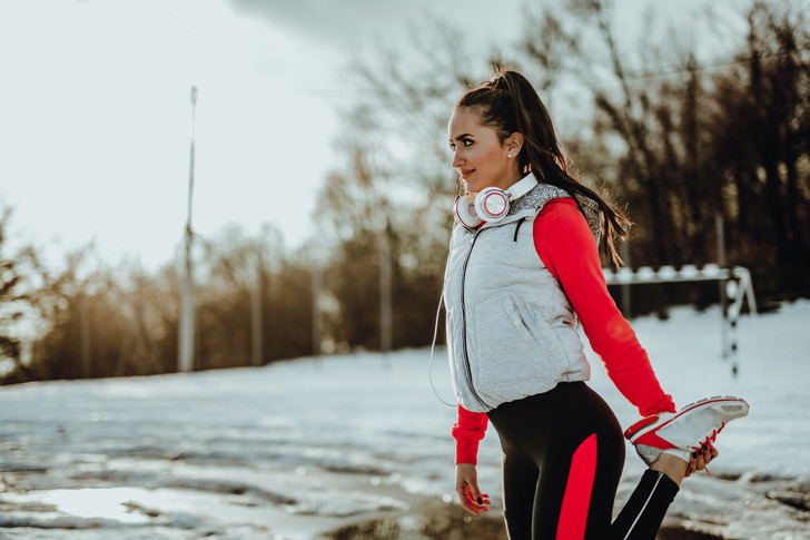 Фитнес зимой на улице фото, тренировки на улице зимой