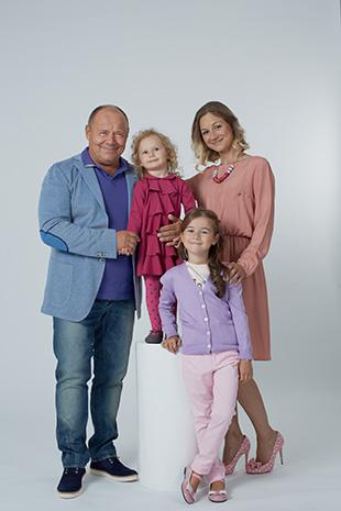Фото №4 - Алексей Маклаков: «Младшая дочь родилась в Испании, поэтому у нее двойное имя»