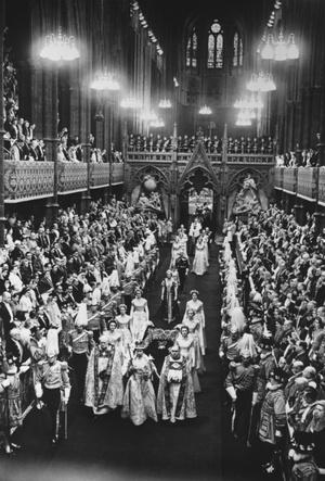 Фото №7 - Почему Королева не хотела, чтобы ее коронацию показывали по телевидению