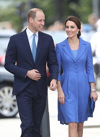 Фото №2 - Язык королевского тела: почему Уильям и Кэтрин не показывают чувства как Гарри и Меган