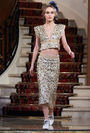 Фото №10 - Показ Chanel Métiers d'Art: возвращение эпохи женственности