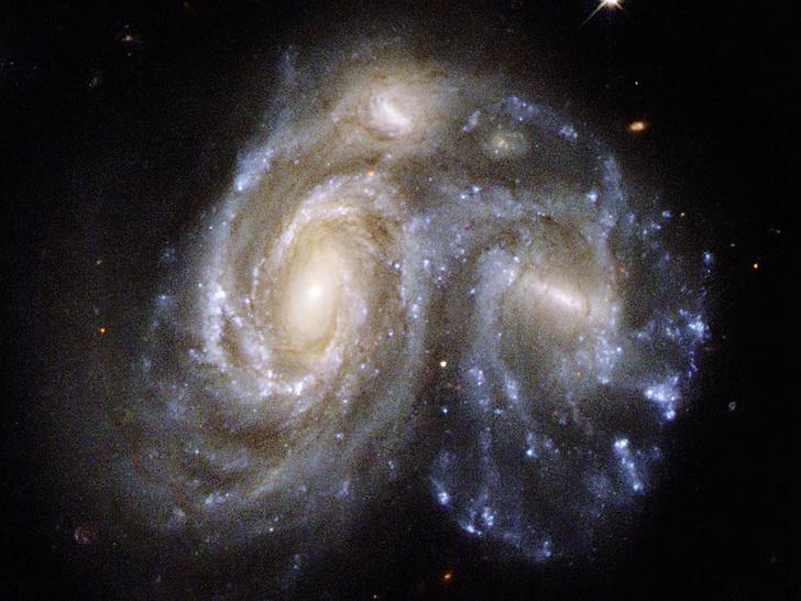 NASA, ESA, the Hubble Heritage (STScI/AURA)-ESA/Hubble Collaboration, and K. Noll (STScI)