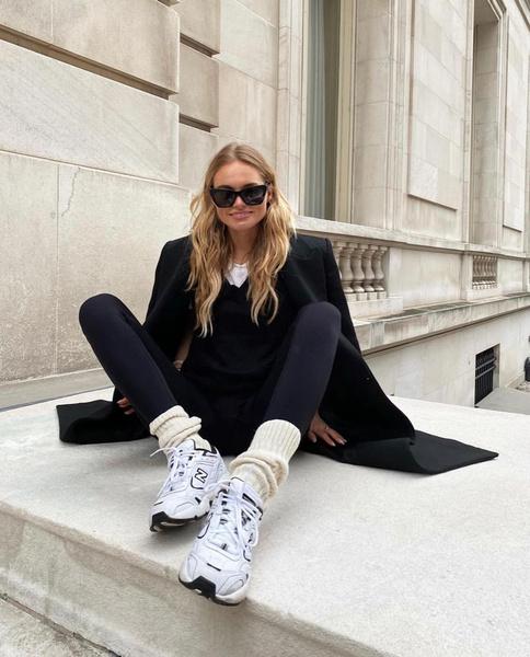 Фото №7 - Dad sneakers: самые модные кроссовки этой зимы по мнению фэшн-инфлюенсеров