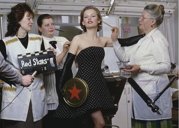 Фото №7 - «Красные звезды перестройки»: популярные советские актрисы в съемке американского фотографа, 1988 год