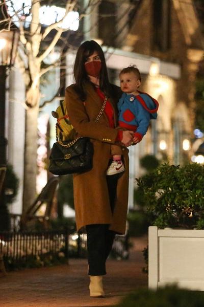 Энн Хэтэуэй: дети, личная жизнь, секреты красоты, стиль, фото 2021