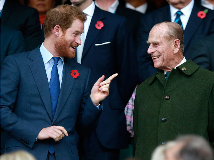 Фото №3 - Строгая жена: от какой привычки Королева заставила отказаться принца Филиппа