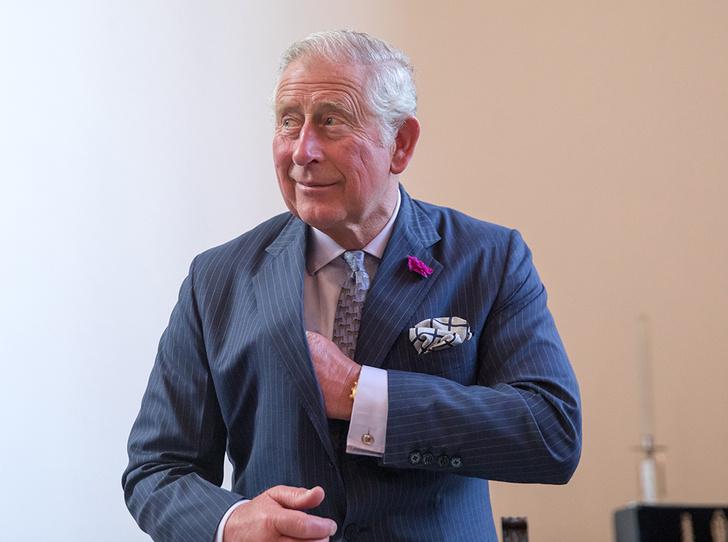 Фото №1 - Принц Чарльз — самый расточительный путешественник среди Виндзоров