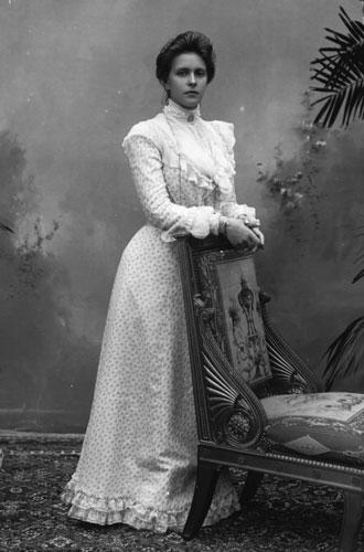Фото №4 - Секреты помолвочного кольца Королевы Елизаветы
