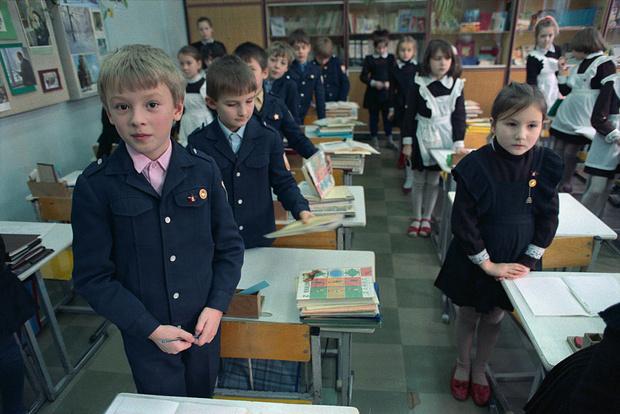 Фото №2 - Как в СССР издевались над детьми-левшами: 10 реальных историй