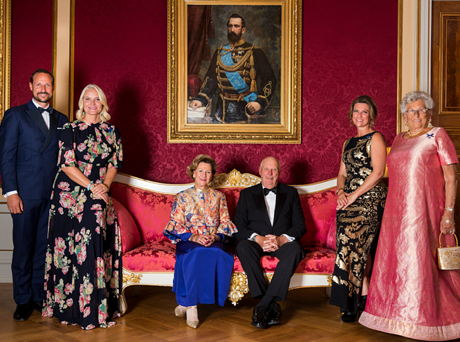 Фото №6 - Как король и королева Норвегии отметили золотую свадьбу