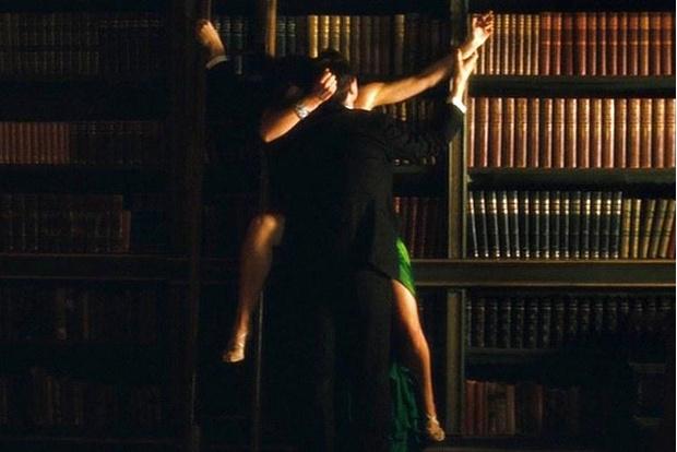 Фото №2 - 6 сцен из фильмов, возбуждающих женщин сильнее, чем любое порно