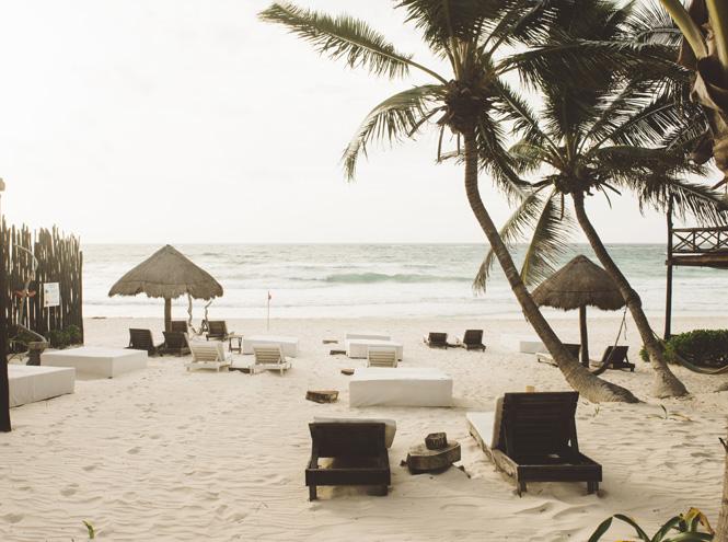 Фото №4 - Бархатный сезон: 7 необычных пляжей мира