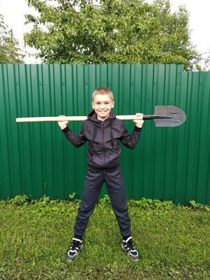 Фото №5 - Спорт на грядке: 5 крутых упражнений с лопатой