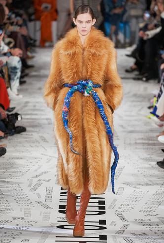 Фото №64 - Полный гид по модной верхней одежде на осень и зиму 2019-20
