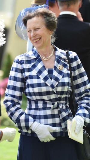 Фото №4 - Внезапный поворот: почему принцесса Анна может стать ближе к трону