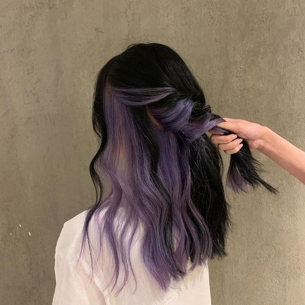 Фото №6 - 10 крутых идей скрытого окрашивания для разного цвета волос